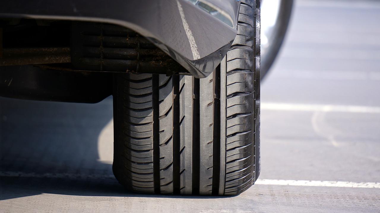 Profil gume na avtomobilu