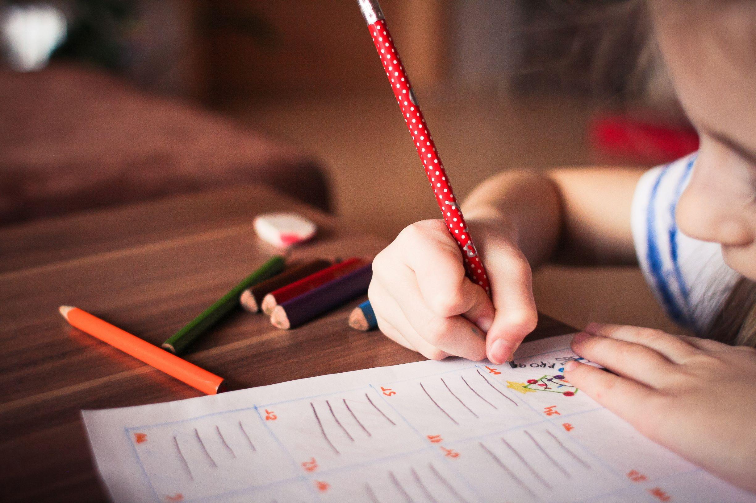 Šolar, ki piše